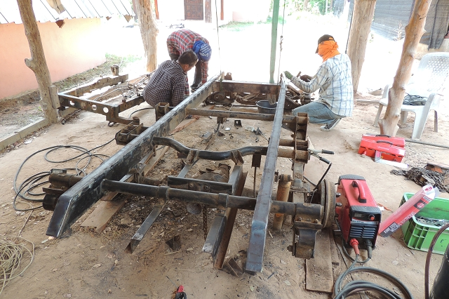zweiachs anh nger zum kippen landwirtschaft in thailand. Black Bedroom Furniture Sets. Home Design Ideas